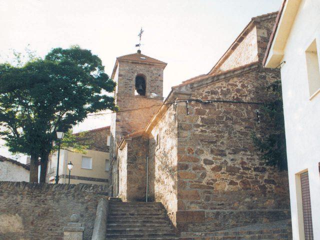 Iglesia de Santa Catalina en Robregordo.  Imagen de la Dirección General de Turismo, Consejería de Economía e Innovación Tecnológica, CAM