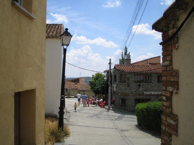 Calle de El Atazar. Pavlemadrid commons