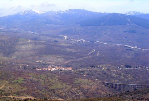 Valle_de_La_Acebeda_2004_-_panoramio_r_santos